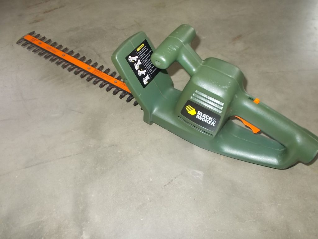 $24 BLACK AND DECKER hedge trimmer