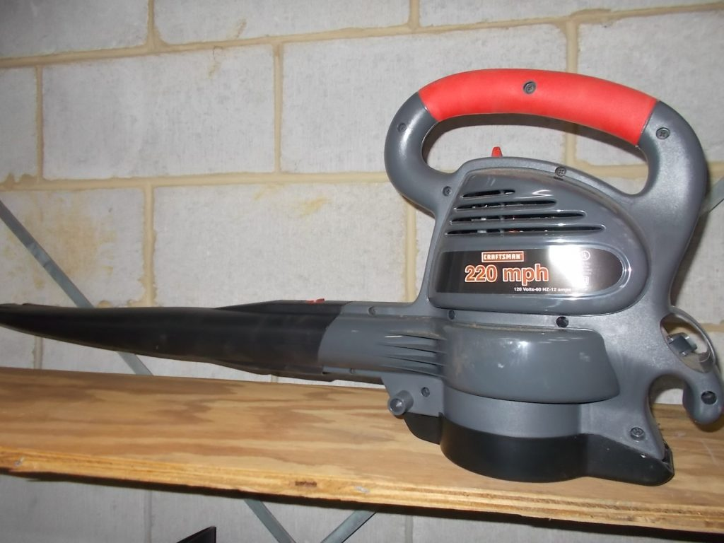 $40 CRAFTSMAN electric blower/vac (3602)