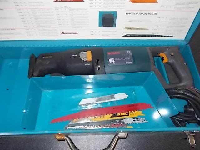 $59 BOSCH B4600 reciprocating saw w blades (5173)