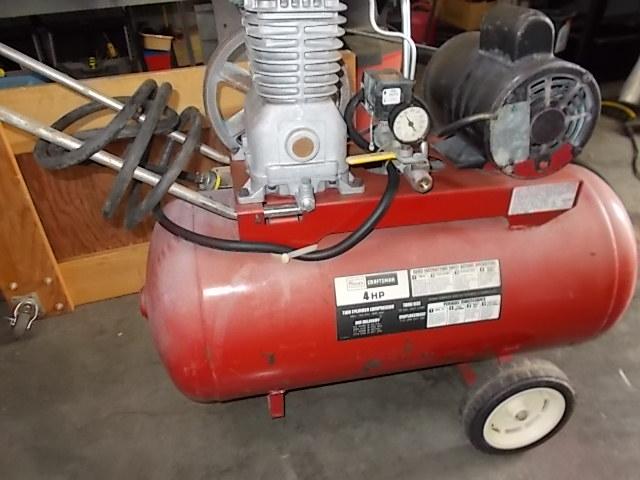$125 CRAFTSMAN air compressor (5648)