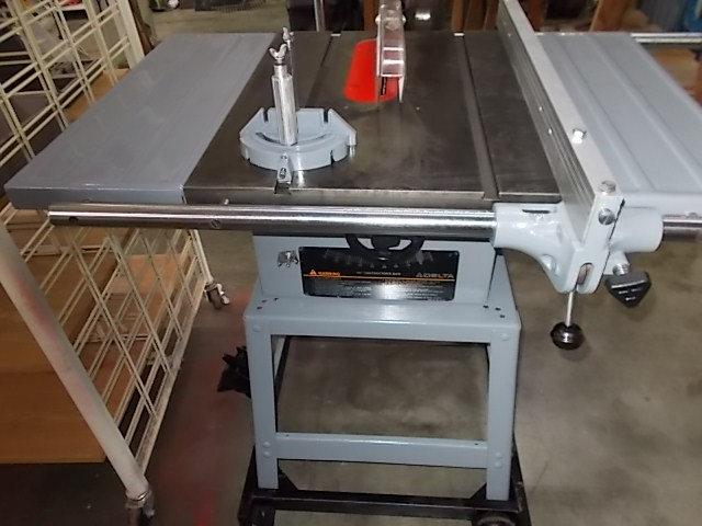 $325 DELTA 34-444 10-inch table saw (6116)